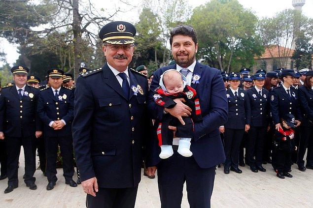 Emniyet Müdürü Aydın, durumdan haberdar olduktan sonra cezayı kesen polis memurunu takdirname ile ödüllendirdi.