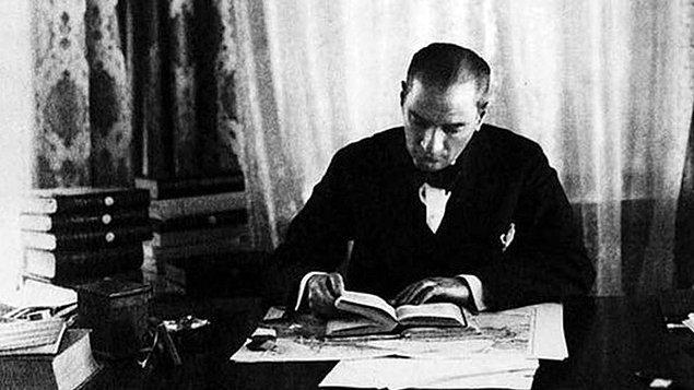 15. Mustafa Kemal Atatürk resmi kayıtlara göre toplam kaç kitap okumuştur?
