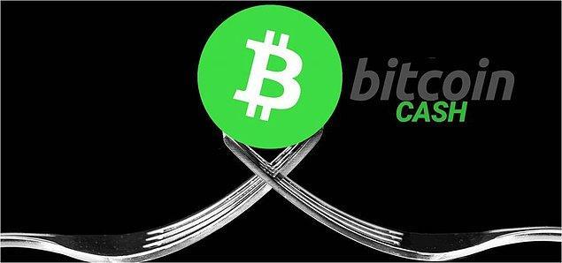 Bu düşüşteki en büyük etkenlerden birisi olarak Bitcoin Cash'teki çatallanma ve mining savaşları gösteriliyor.