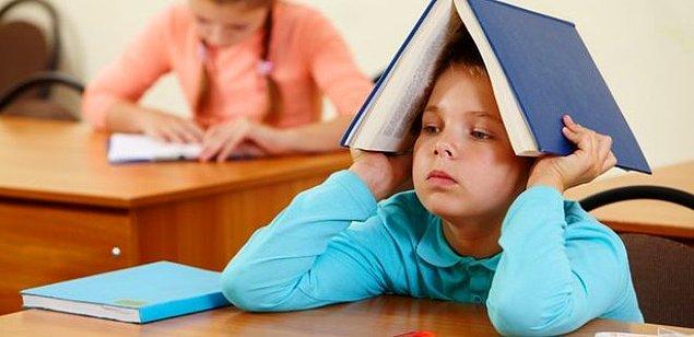 Bunu ilkokul hayatına başladığımızda anladık. Her gün erken saatte kalkmak, okula gitmek ve saatlerce ders dinlemek..