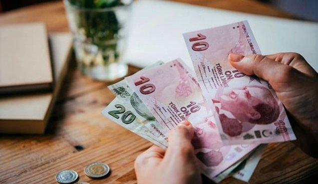 Asgari ücret ise şu an 1.603 lira. Fakat enflasyondaki artış ile paranın alım gücü düşünce milyonlar için daha çetin bir tablo oluştu.