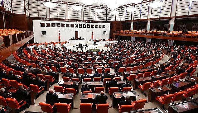 Çalışanların üzerindeki yükü azaltmak için dün de Meclis'e bu konu hakkında bir önerge sunuldu.