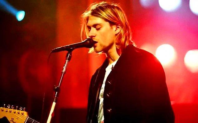 24. Kurt Cobain, intihar notunda Freddie Mercury'ye hayran olduğunu ve onu kıskandığını yazmıştır.