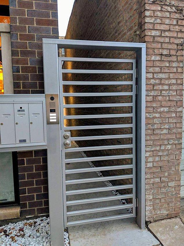 1. Güvenlik girişi bir merdivenden farksız olursa: