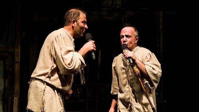 13. Bir Baba Hamlet