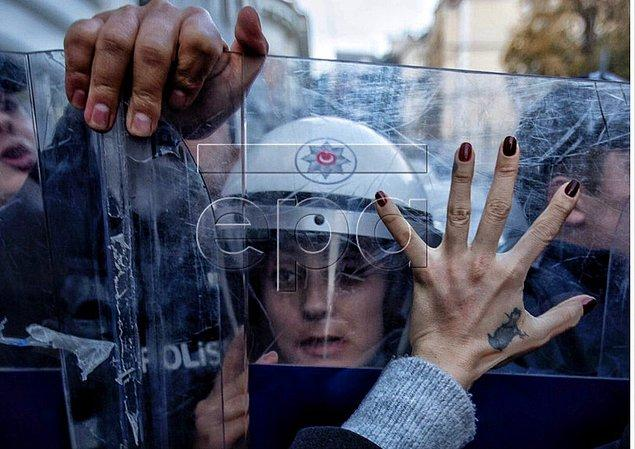 Taksim'deki yürüyüşten kareler...