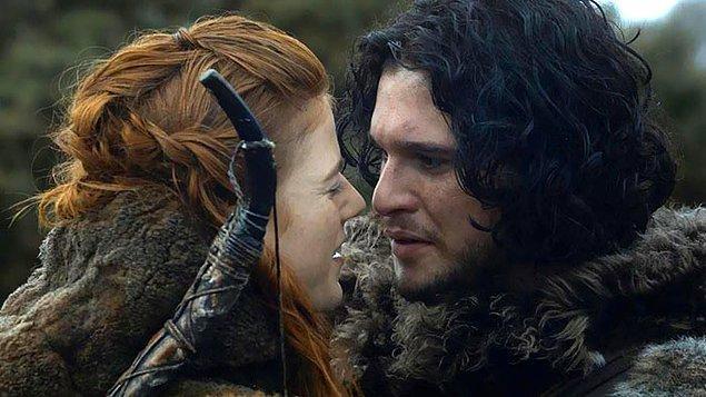 9. Jon Snow ve Ygritte rolünü canlandıran oyuncular Kit Harington ve Rose Leslie, bu yılın haziran ayında, İskoçya'da yaptıkları görkemli bir düğünle dünya evine girdiler.