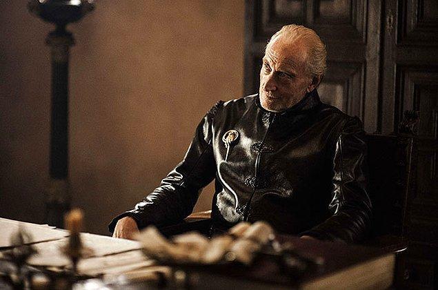 33. Dizide Tywin Lannister'ın ölen karısının ismi Joanna olduğu gibi, rolü canlandıran Charles Dance'in de eşinin ismi Joanna ve üç çocukları var.