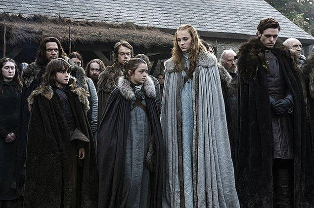 36. Stark ailesinin çocukları dizide, kitaptaki yaşlarından daha büyükler.