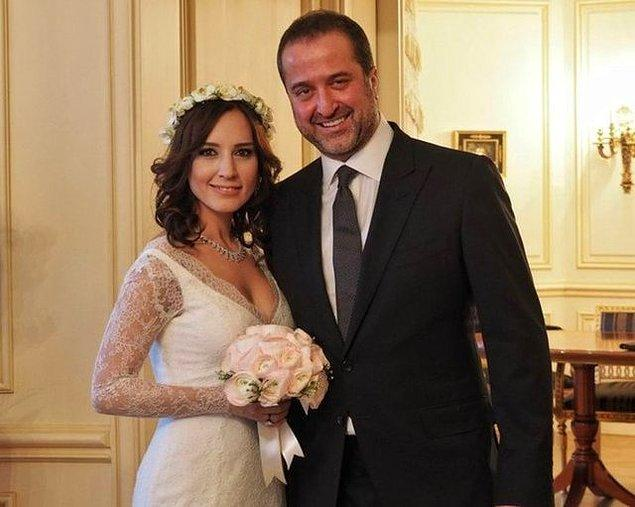 7. Büyük ses getiren birlikteliklerini 2015 yılının Sevgililer Günü'nde evlilikle taçlandıran Nazlı Çelik ve Serdar Bilgili, eylül ayında boşandı.