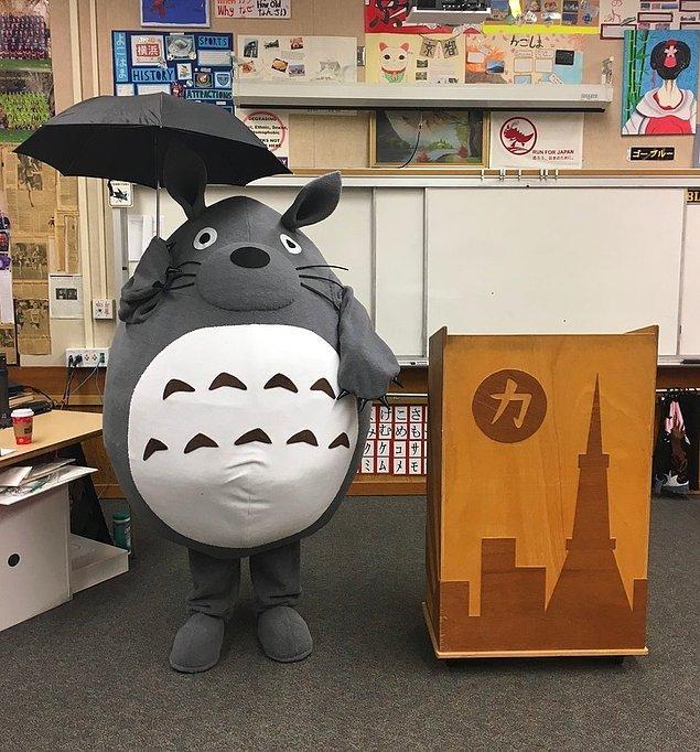 """11. """"Japonca öğretmenim her Cadılar Bayramı'nda işleri ileri seviyeye taşıyor."""""""