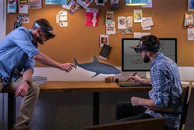GE Aviation şirketinin kullandığı gözlükler jet motorlarının birleştirilmesi sırasında kullanılıyor.