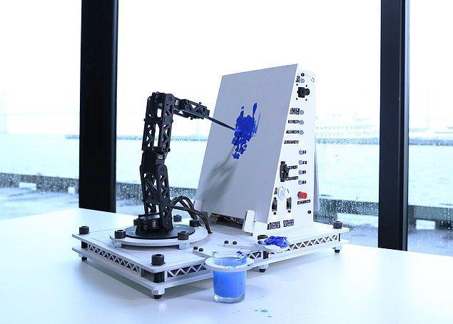 """""""Bence kısa vadede robotlar, dijital sanatın son üretiminde daha fazla, özellikle de çok fazla ayrıntıya veya tekrar eden unsurlara sahip olacaklar"""""""