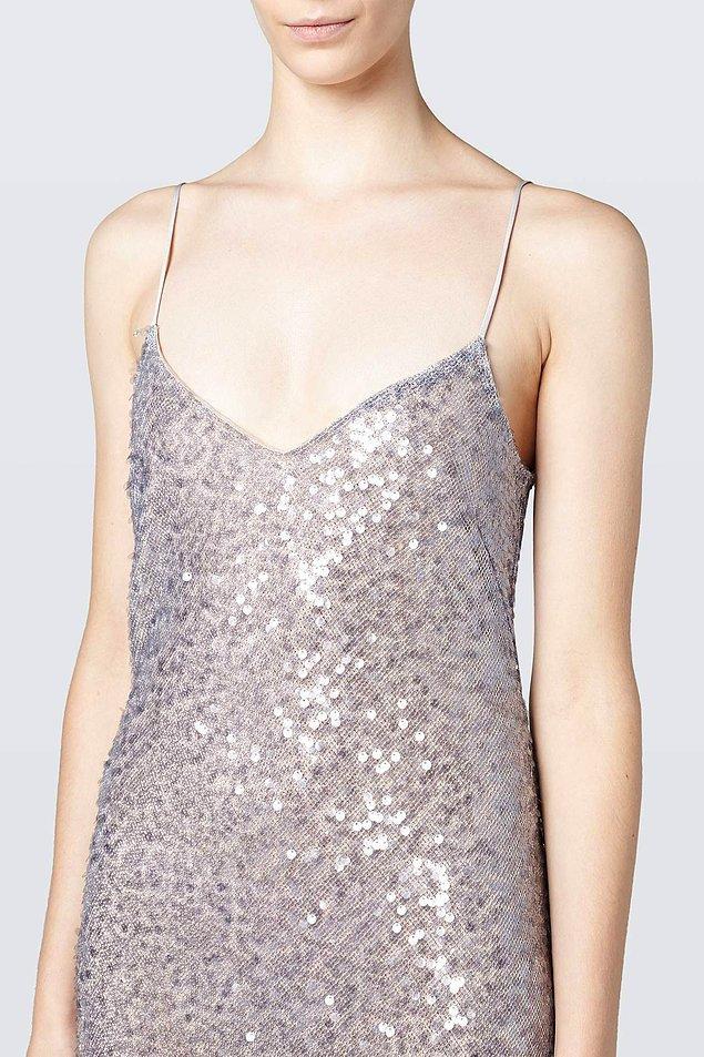 Galvan London imzalı bu elbise 1.255 euro yani 7.500 TL.