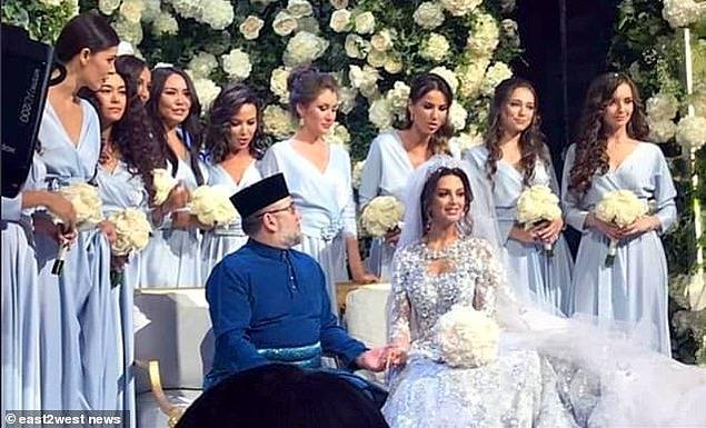 """Malezya kralı ile evlenen Rus güzellik kraliçesi, """"First Lady"""" oldu!"""