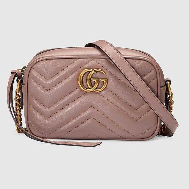 Gucci çanta 980 dolar yani 5.200 lira.