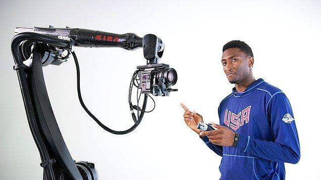 Yıl 2028: Yaratıcı bir video oluşturmak.
