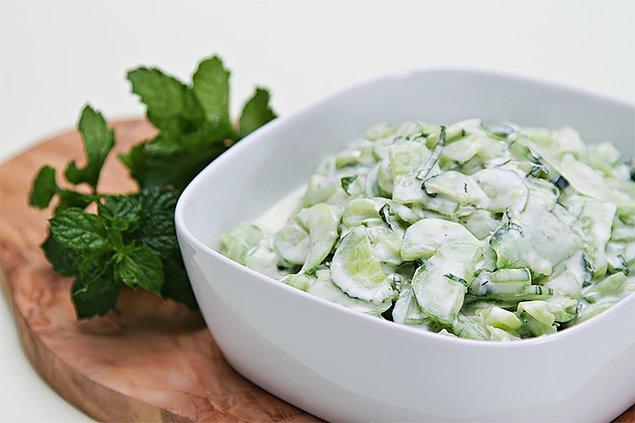 5. Yoğurt salatası