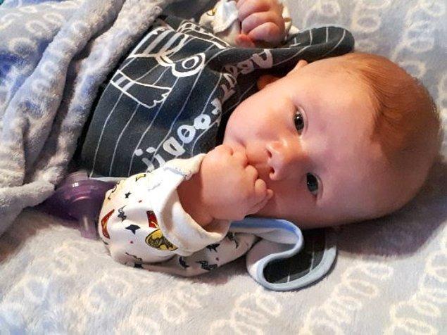Hamileliğinin 20.haftasında doktor kontrolüne giden Tracy Fletcher'a bebeğinin engelli doğacağı söylendi ama Tracy ve Edward bebeklerinden vazgeçmedi.