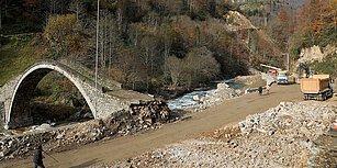 Koruma Altına Alınmıştı: Rize'de 300 Yıllık Köprü Yol Yapım Çalışmasında Tahrip Edildi