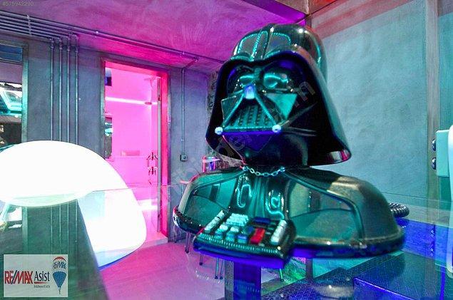 2. Ta daaaa: Darth Vader!