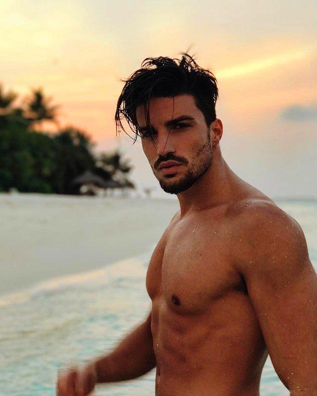 11. Blog yazarı olan Mariano Di Vaioi, çekici vücudu ve yakışıklılığıyla hepimizi hayran bırakıyor açıkcası.