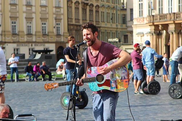 2. Sokak Müzisyeni Numarası