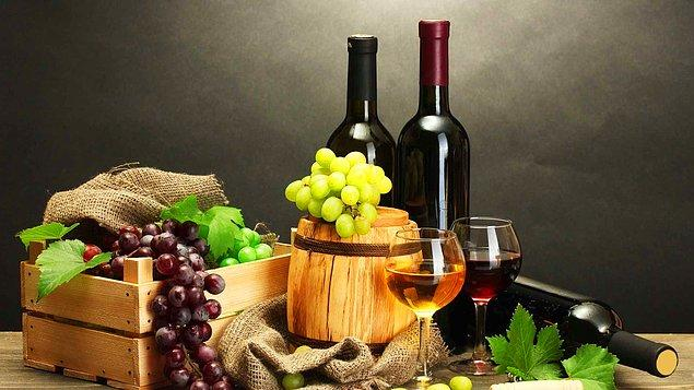 10. Bilinenin aksine şarapların hepsi maliyet sebebiyle meşe fıçılarda bekletilmez.