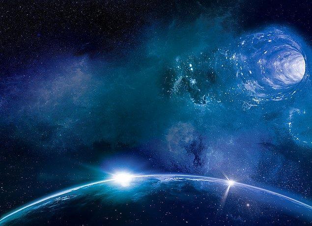 Geçmişe yolculuk için öne sürülen teorilerden biri de solucan delikleri.