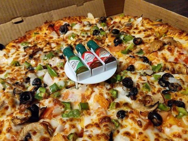 4. Oldukça zekice bir bölgede kendilerine yer bulmuş pizza sosları.