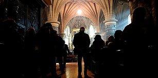 Hollanda'da Bir Kilise, Mülteci Ailenin Sınır Dışı Edilmesini Engellemek İçin 800 Saattir Ayin Yapıyor