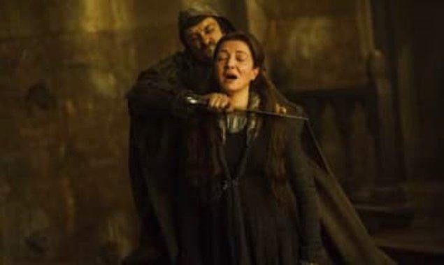 11. Neredeyse ''Game of Thrones''taki iyi insan popülasyonunu yarıya indiren Red Wedding sahnesi.