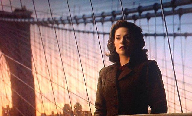 23. ''Agent Carter'' dizisinde, Peggy'nin Kaptan Amerika'ya kesin olarak veda etmesi ve bütün umudunu kaybetmesi...