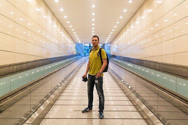 Mustafa Çankaya uzun süredir Atatürk Havalimanı'nda çalışıyor ve 7 yıldır da profesyonel olarak fotoğrafla ilgileniyor.