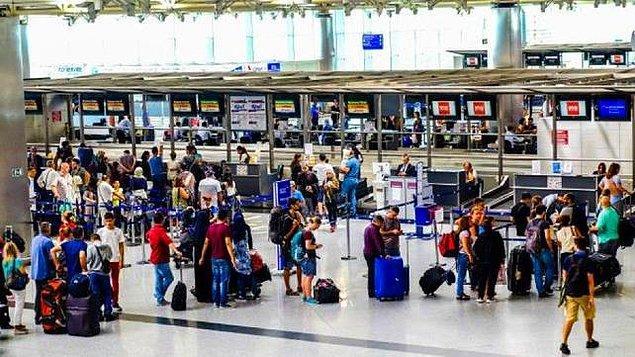 """2018 yılının Mart ayında ise bir projeye başladı: """"100 Yüz 100 Ülke"""". Bu projenin amacı Atatürk Havalimanı'nın ne kadar çok farklı yolcu tarafından kullanıldığını ve kültürel çeşitliliğini belgelemek."""
