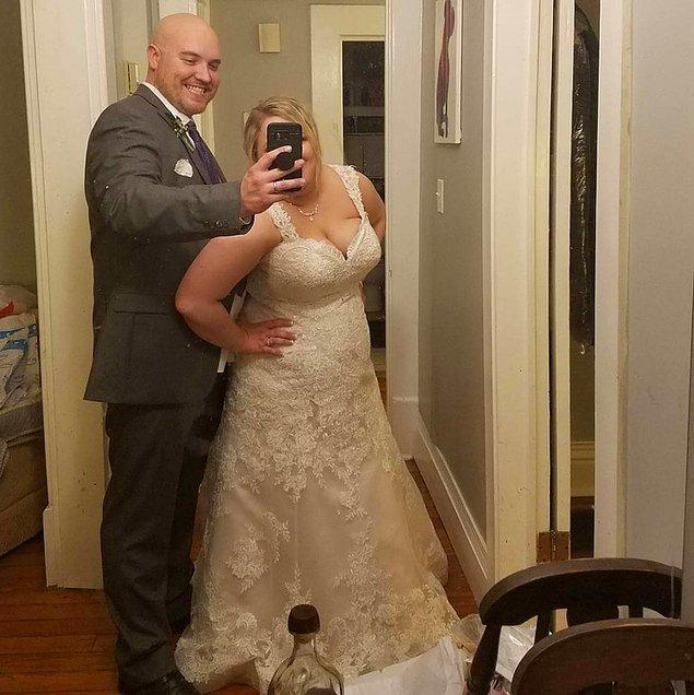 """1. """"Kocamdan düğün gecemizde bir fotoğraf çekmesini istedim. Çektiği tek kişi kendisiydi."""""""