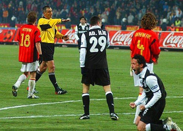 2004 / Ali Aydın'ın hakemliği bıraktığı derbi.