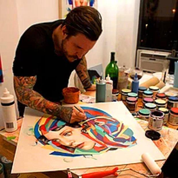 Ünlü bir sanatçı!
