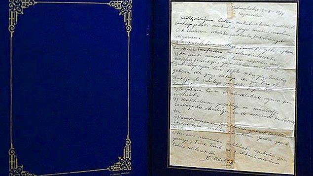 3. 28 Kasım 1938 tarihinde, Atatürk'ün 5 Eylül'de yazdırdığı vasiyetnamesi açıldı.