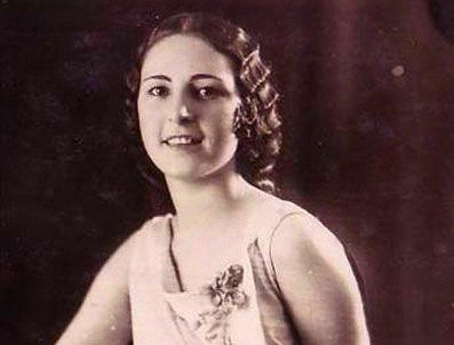1930'da Paris'te bir film şirketinin düzenlediği uluslararası ses yarışmasınında, Hudadat Şakir Hanım, ''Türkiye Ses Kraliçesi'' seçildi.