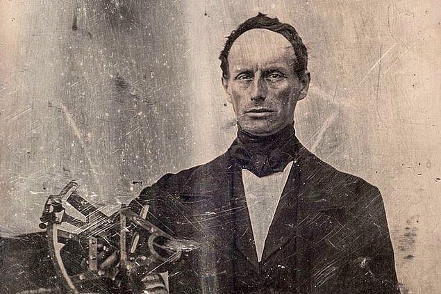 4. 29 Aralık 1803'te Avusturyalı fizikçi, Christian Andreas Doppler, doğdu.