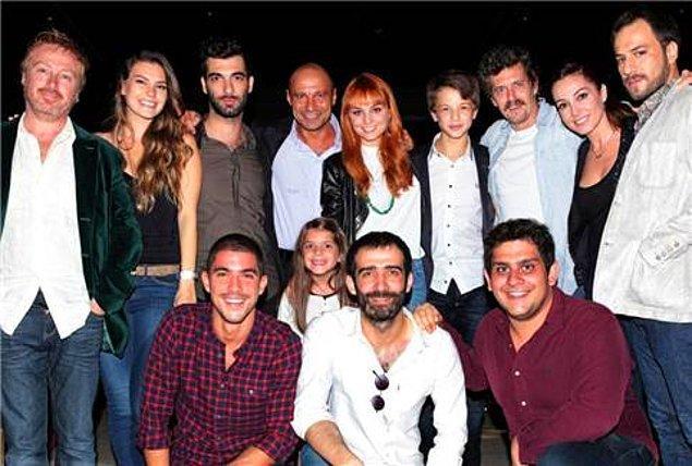"""Onu ilk olarak 2013 yılında yayınlanan """"Kayıp"""" dizisiyle tanıdık. Tabii asıl olarak adından söz ettirmesi """"Ulan İstanbul"""" dizisiyle oldu."""