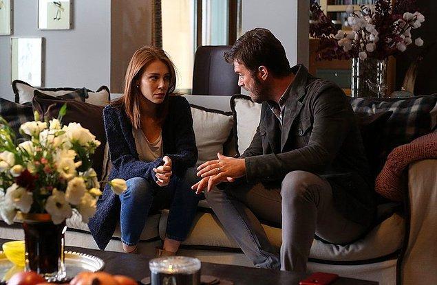 Dönelim günümüze Kadir Zeynep'i uyarıyor Veli'yle ilgili. Çünkü Veli çok tehlikeli ve insanların zaaflarını çok iyi yakalayan biri.