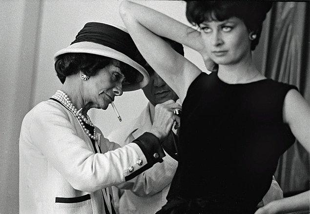 Bu dönemde anladı ki insanlara aksesuarlar ve kıyafetler tasarlamak ona zevk veriyordu. Artık kararını vermişti: Hayatı boyunca bu işi yapacaktı.