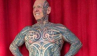 Hepsi Daha Genç Görünmek Uğruna: Dövme Sevdasıyla Penisini Merdaneye Saran Yaşlı Adam!