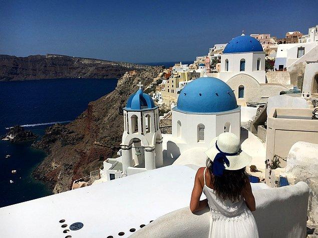 13. Santorini, Yunanistan