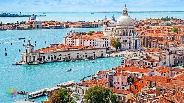 10. Venedik, İtalya