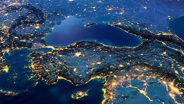 Yani Türkiye vatandaşları İsrail'i en büyük düşman ülke olarak ilan etmiş. Ardından da Amerika takip ediyor. 3. ülke de İngiltere oluyor.