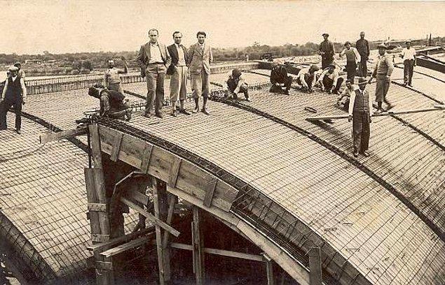 1. Beş Yıllık Kalkınma Planı'nın ilk kıymetli eseri olan fabrika inşaatı büyük heyecanla başladı...