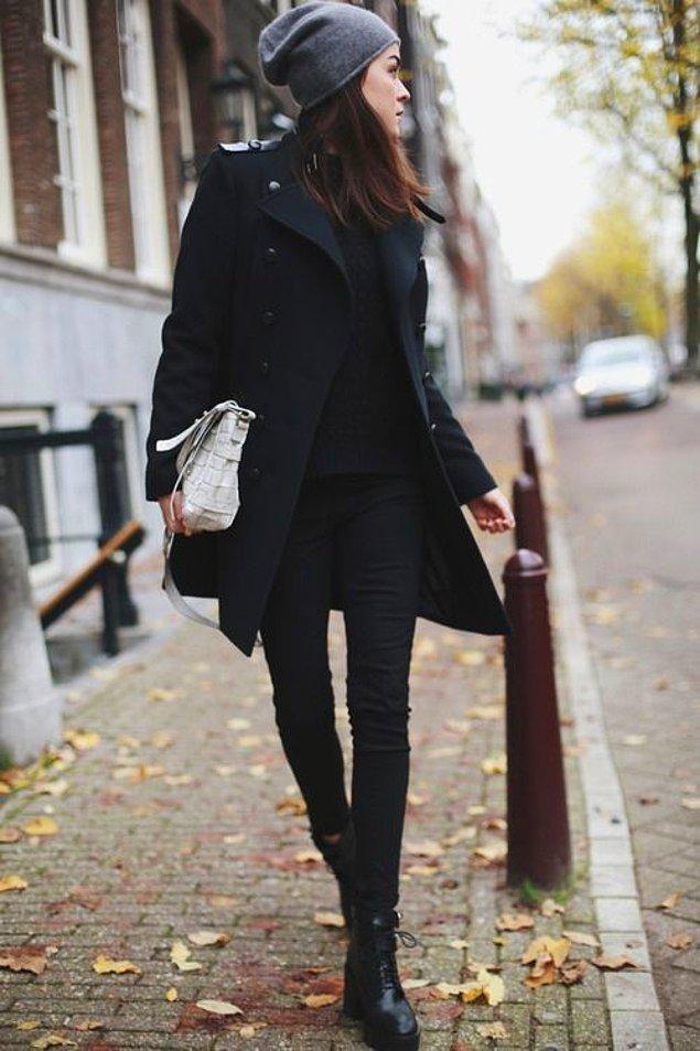 3. Biraz kolaya kaçıyoruz ama canımız siyahtan başka bir şey giymek istemiyor, n'apalım!